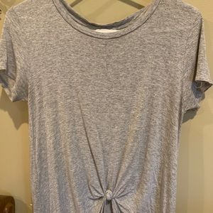Maxi knitted front tee! Size medium